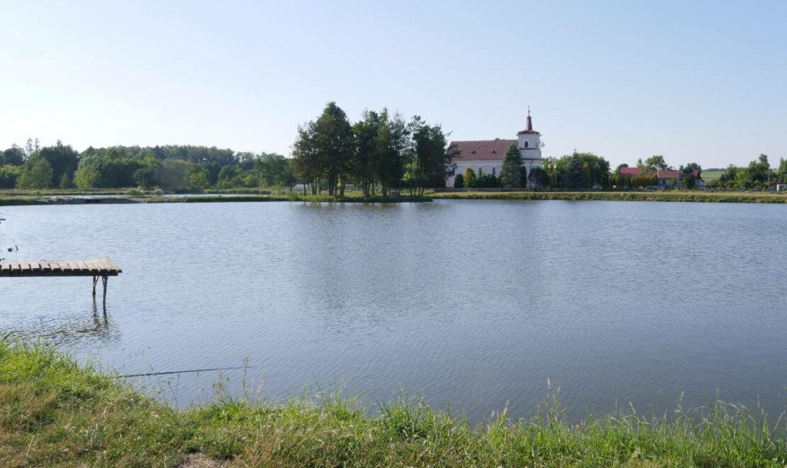 Łowisko i kościół w Goryniu